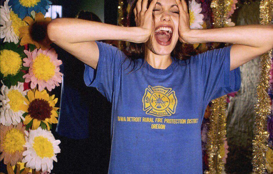 Angelina Jolie, anni 90