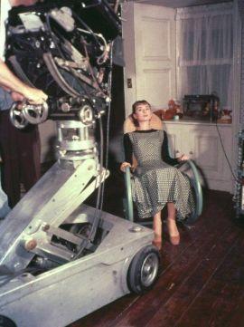 Audrey Hepburn sul set di 'Sabrina', 1954