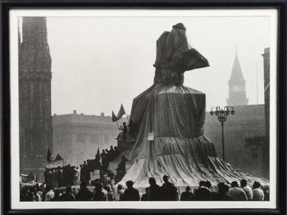 Christo and Ugo Mulas - Wrapped monument to Vittorio Emanuele
