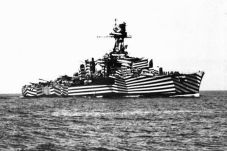 Corazzata camuffata 1919. Le linee rendono difficile per le navi nemiche individuare il raggio e la testata