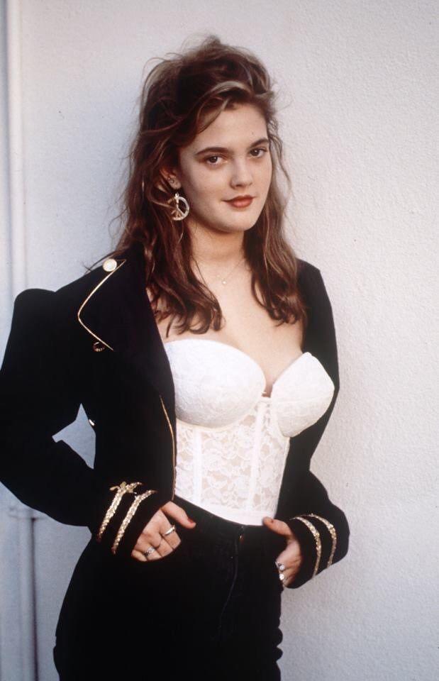 Drew Barrymore nella rivista italiana Max - Febbraio 1990