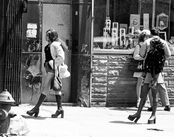 Le prostitute sulla passeggiata - la Bowery, New York 1970
