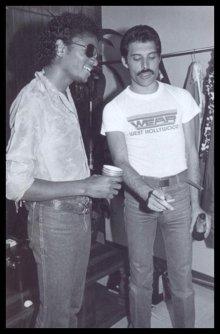 Michael Jackson e Freddie Mercury dietro le quinte a The Los Angeles Forum, 1980