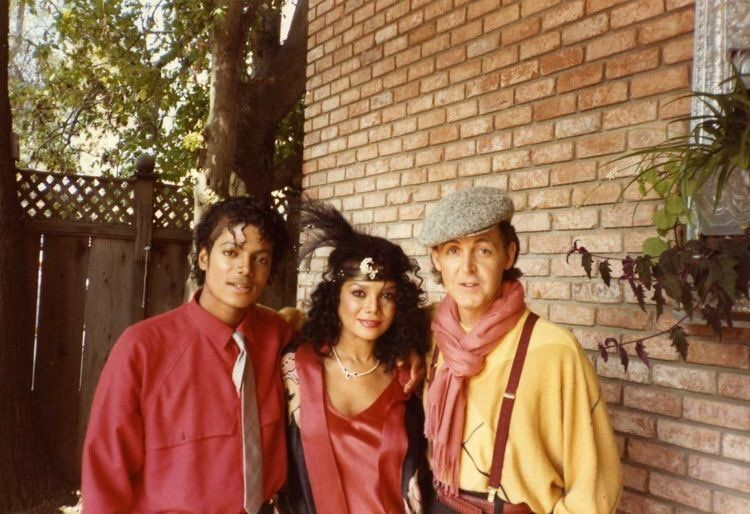 Michael Jackson, La Toya Jackson, e Paul McCartney sul set del video per Say, Say, Say