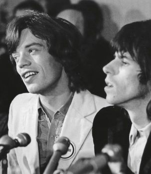 Mick Jagger e Keith Richards durante la conferenza stampa per il Tour dei Rolling Stones a New York, 1969