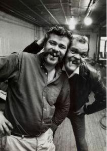New York, John Chamberlain e Neil Williams , ca. 1965. Fotografia di Ugo Mulas