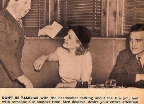 Non familiarizzate con il cameriere parlando con lui di quanto vi siete divertite con qualcun altro un'altra volta. L'uomo merita e desidera la vostra completa attenzione