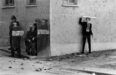 Rivolta civile, Irlanda del Nord, 1971