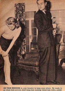 Vestitevi nel boudoir per mantenere il vostro fascino. Siate pronte in orario! Non fatelo aspettare. Salutatelo con un sorriso