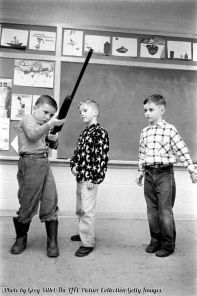 Classe di bambini nel corso di sicurezza, Indiana 1956