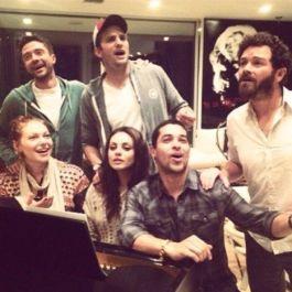 """Il cast di """"That 70 di Show"""" i cui componenti sono restati amici fino ad oggi"""