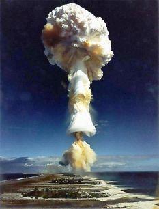 La Francia fa esplodere la sua prima bomba all'idrogeno