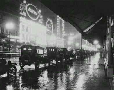 Notte di pioggia a Los Angeles, 1920