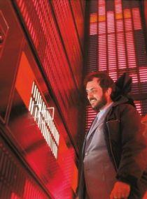Stanley Kubrick all'interno HAL 9000 durante le riprese di 2001: Odissea nello spazio, 1967