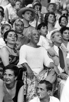 1955. Jacqueline Roque, Pablo Picasso e Jean Cocteau