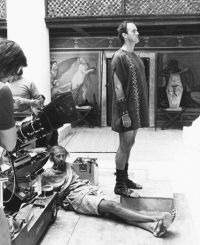 "Graham Chapman e John Cleese sul set di ""Brian di Nazareth"""