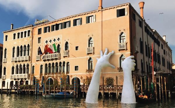 Lorenzo Quinn @Venezia