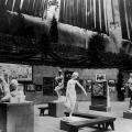 The Armory Show, 1913. 'gruppo mobile' di Brancusi a sinistra con Mademoiselle Pogany alla ribalta