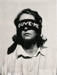 Helena Almeida - Ouve-me (1979)