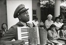 La marcia durante i funerali del presidente degli USA Roosvelt