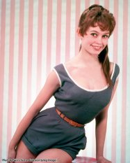 L'attrice, modella e cantante francese Brigitte Bardot in una tuta blu, 1955
