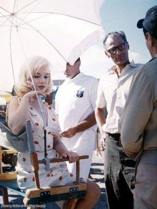 Marilyn Monroe e lo sceneggiatore Arthur Miller sul set del film 'The Misfits', 1961
