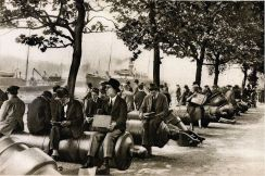 Pranzo sul Tamigi, 1920