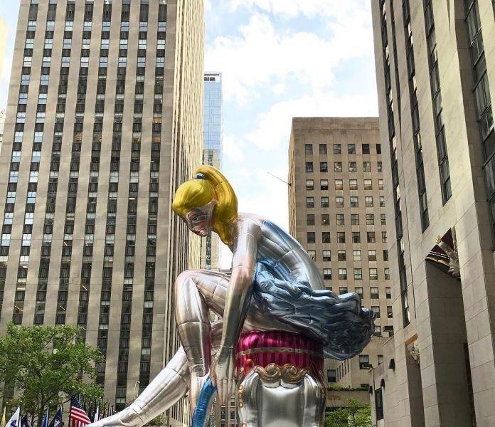 Seated Ballerina by Jeff Koons @ Rockefeller Plaza, NYC
