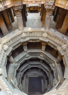 The Vanishing Stepwells of India - Victoria Lautman (Dada Harir Vav. Asarwa. c. 1499)
