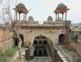 The Vanishing Stepwells of India - Victoria Lautman (Mukundpura Baoli. Mukundpura, Haryana c. 1650)
