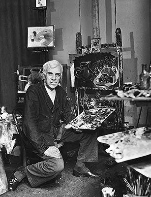 Georges Braque lavora a cavalletto nel suo studio alla periferia di Parigi