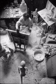 Giacometti dipinge nel suo studio