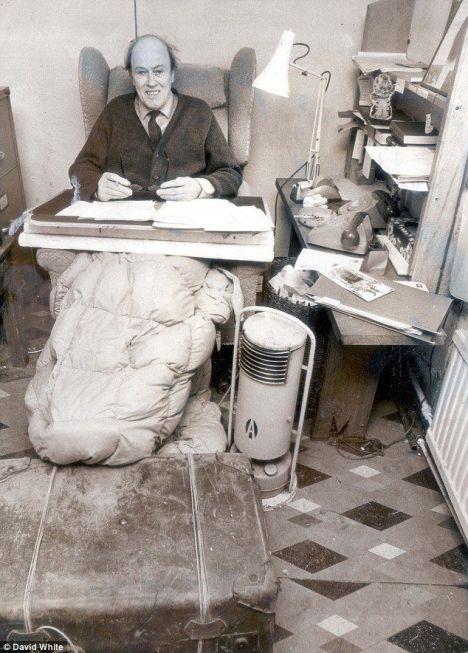 L'angolo dove Roald Dahl scrisse molti libri, tra cui Charlie e la fabbrica di cioccolato, 1979
