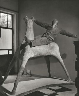 Marino Marini nel suo studio,1952 Fotografia di Herbert List