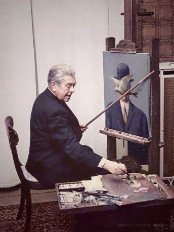 René Magritte al lavoro nel suo salotto, 1964