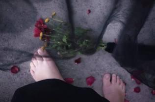Monica Mura - Me Ama. No me Ama. (M'ama. Non m'ama) 2015. Come un amore innocente può trasformarsi in un amore tossico. Deputazione di Pontevedra. #ViolenzaZero. Fotografia