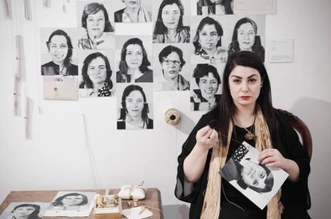 Monica Mura - Nos+Otras: en Red. El Retrato. (Noi+Altre: in Rete. Il Ritratto) (2015-2017). Esposizione al Museo Provincial de Lugo (Spagna) 2015. Azione collaborativa
