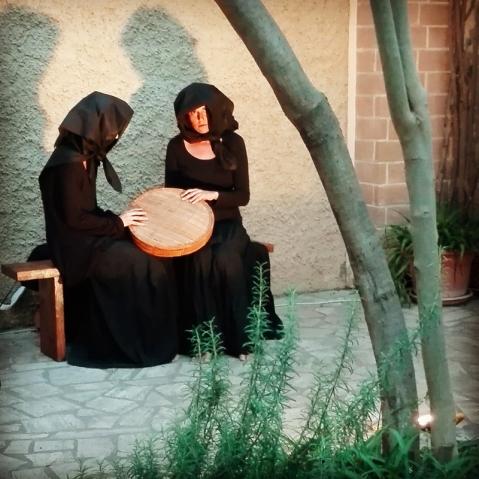 """""""Ballata dentro al fosso"""", performance di Emanuela Mancosu e Sara Scioni - Funivie Veloci 2017"""