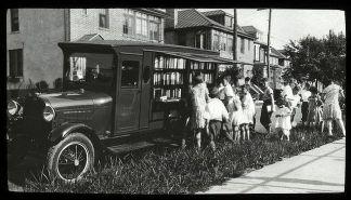 Bronx bookmobile, 1930