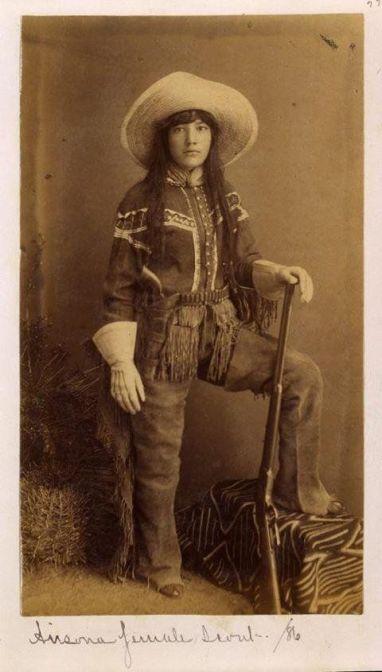 Cowgirl del vecchio west, 1886
