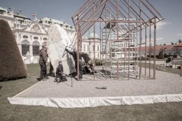 """Vienna - La """"Fat House"""" di Erwin Wurm al Museo Belvedere"""