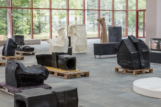 """Exhibition View """"Erwin Wurm. Performative Sculptures"""" - Photo Johannes Stoll @Belvedere, Vienna"""
