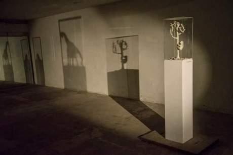 Josephine Sassu - Sto cercando di vedere oltre la siepe (2015)