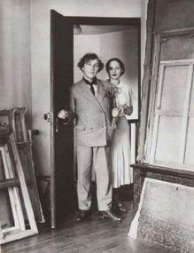 Marc e Bella Chagall, storia di un amore surreale. Un amore che diviene ben presto un connubio artistico, Bella fu per il pittore moglie musa e amica