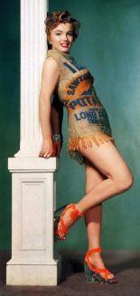 Nel 1951, lo studio cinematografico di Marilyn Monroe voleva dimostrare che sarebbe sembrata bella anche in un sacco di patate