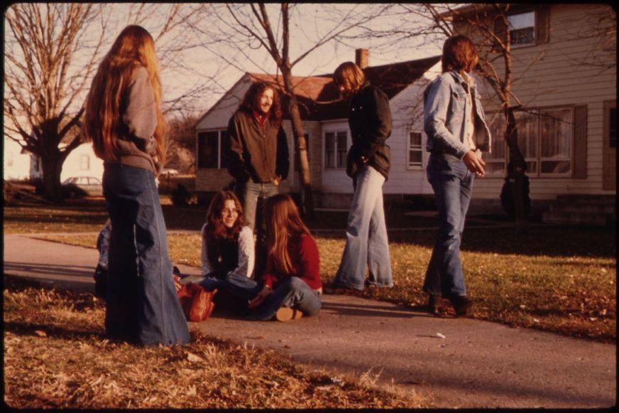 Studenti della scuola superiore a New Ulm, Minnesota, 1975