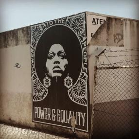 Lisbona - Itinerario street art- Obey Giant