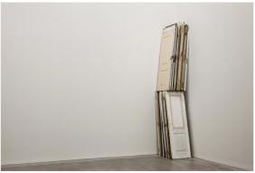 Pedro Cabrita Reis - Corner Doors - 2011 porta trovate 425x104x85 cm