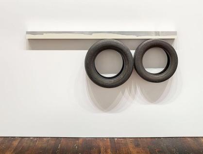 Pedro Cabrita Reis One Line (Horizontal), Two Circles Underneath 2014 enamel on welded aluminium tubing, found car tires 76 x 208 x 23,5 cm