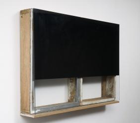 Pedro Cabrita Reis - Si chiude - 2012, oggetti trovati in vetro e ferro, smalto su vetro, 67,5x93x13,5 cm